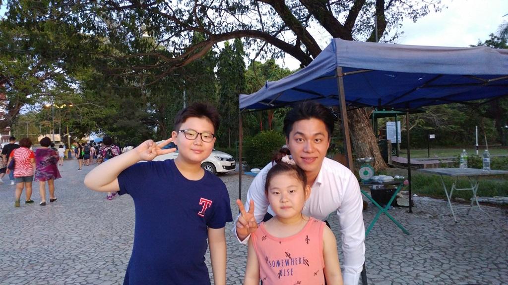 [포토 팡팡]로한 가이드삼촌과 코나키나 발루에서 한컷~